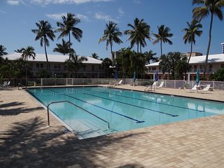 1 Bedroom/1 Bath 3 blocks to Residents Beach!, Marco Island