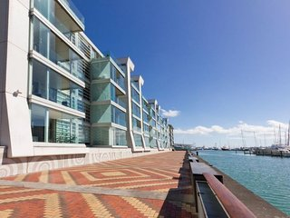 2 Bedroom Auckland Viaduct Harbour Serviced Apartment, Auckland Central