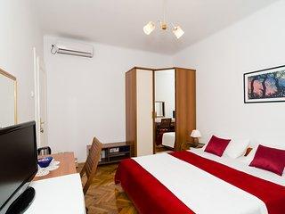 Guest House Ivela- Double Room A2
