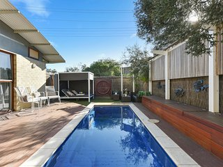 King Tide Townhouse Pool | Free WiFi | Pay TV Channels