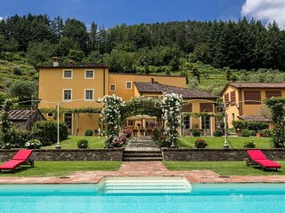 Lucca Estate - Villa Classica Luxury house rentals near Lucca, Capannori