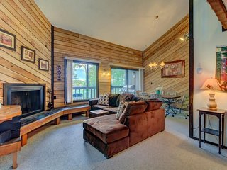 Gorgeous dog-friendly ski in/ski out getaway next to slopes - great for families, Brian Head