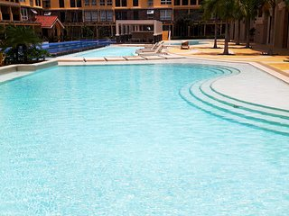 Brandnew luxury 2-BR condo next to SM Seaside Mall & IlCorso Seaside Restaurants