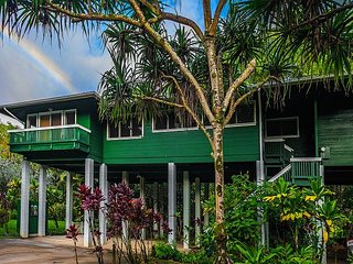 REDUCED RATE! Tree House Nestled Along a Stream & Tropical Surroundings.