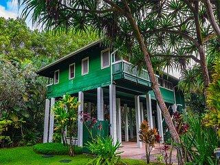 Kauai Tree House: Beautiful Wainiha Home in Lush & Tropical Surroundings!