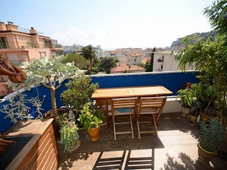 JdV Holidays Apt Iberis, great views and terrace, Niza