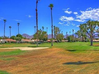 DUR42 - Rancho Las Palmas Country Club - 2 BDRM + DEN, 2 BA, Rancho Mirage