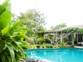 BLUE BIRD GUESTHOUSE - Chao Lao Beach, Khlong Khut