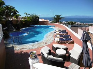 Villa with amazing view and private pool, Playa de las Americas