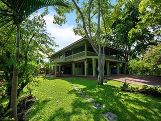 Kealakekua Hale:Gorgeous, Gated, Tropical Retreat! VERY Private home near Bay, Captain Cook