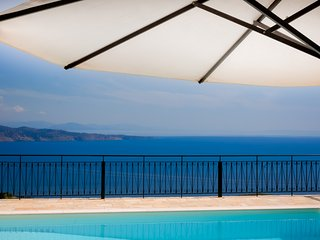Private Villa with Pool & spectacular views above Kalami Corfu