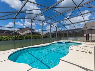 FREE POOL HEAT: Cute 3 bedroom/ 3 bathroom vacation home close to Disney