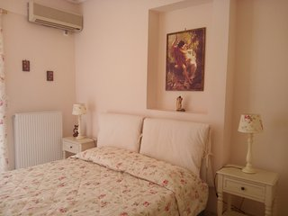 Cosy Apt. 5min to the port of Piraeus.