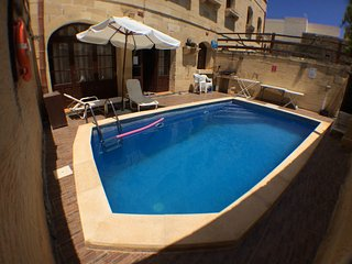 Darta dħul farmhouse Villa piscine, Qala