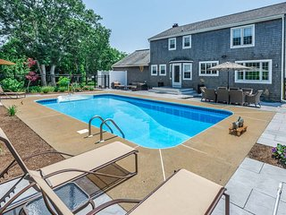 RAOMA - Long Point Beach Area,  Heated Pool, Large Patio with Living and Dining