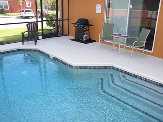 ACO FAMILY – 4 bd TOWNHOME WITH POOL (1618), Kissimmee
