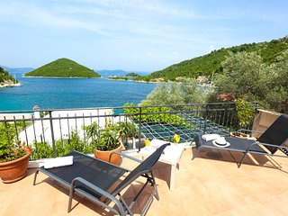 Lucia Apartment Mljet