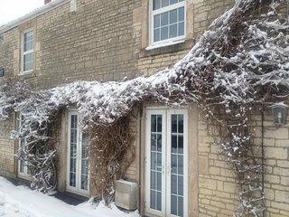 Midsomer House Near Bath - Hot Tub & Lodge