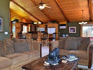 Villa Grove Lodge, Big Bear Region