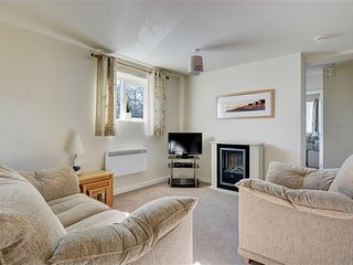 Sunflower Apartment (PW223H), Tenby