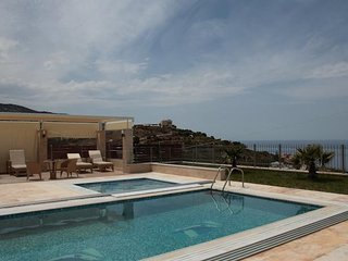 Luxurious villa in Agia Pelagia, Crete
