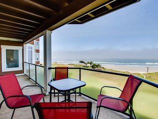Upscale oceanfront condo w/ ocean views & great location