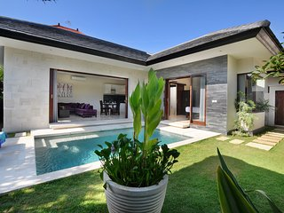 LUXURIOUS VILLA ATHENA 1BR.|PRIVATE POOL|SANUR