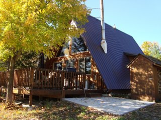 Located at Big Powderhorn - 2 BR A-Frame - Hot Tub, Bessemer