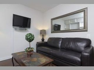 REMARKABLE 2 BEDROOM APARTMENT - 2, Ciudad de Long Island