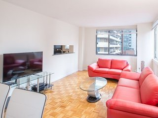 LOVELY AND SPACIOUS 2 BEDROOM, 2 BATHROOM APARTMENT, New York City