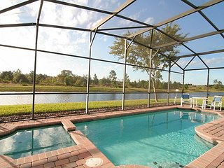Gorgeous Lake&sunset view villa in gated community, Clermont