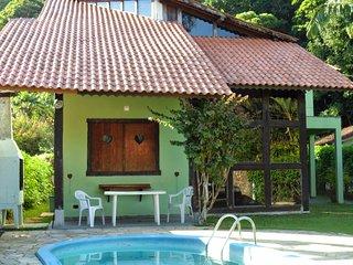 Casa grande bem arejada e confortavel com piscina, Boicucanga