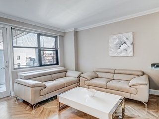 Gorgeous and Charming 2 Bedroom 2 Bathroom Apartment in Upper East Side, New York City