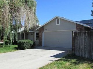Cozy and Clean 4 Bedrooms near Micron, Boise