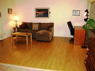 Large 1 Bedroom Unit Near Apple - Accommodates up to 4, Santa Clara