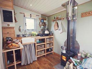 43846 Log Cabin in Hay on Wye, Clyro