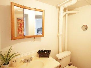 Cozy 4 Bedroom 2 bathroom Near BSU and Downtown, Boise