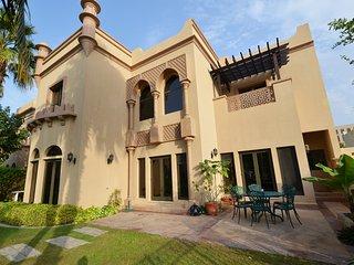 Canal villa 3BR9061, Dubai