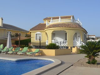 Villa Marie, Large Private Pool, Close to Golf