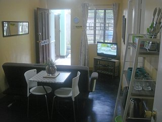 BEST VALUE 1 [Kitchen Garden 2Beds] Angeles Apart, Angeles City