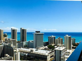 Island Colony #3901-1 Bedroom Condo with Diamond Head and Ocean Views!, Honolulu