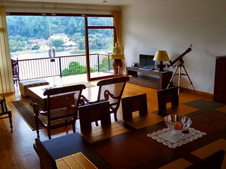 Lakeview Pointe - 3 Bedroom Apartment Suite, Kandy
