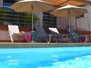 Lovely new modern villa with private pool heated near best beaches Santa Giulia!