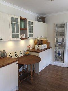 Coastal style kitchen.