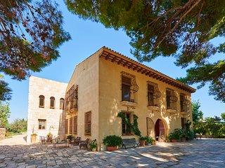 Historical Luxury Villa&Private Pool near beaches