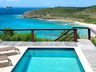 INDIGO SKY VILLA...overlooking beach/vast views of the ocean in new Indigo Bay d