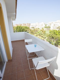 Apartment for Golf and Beach in Alicante city (A/C + Free WiFi)