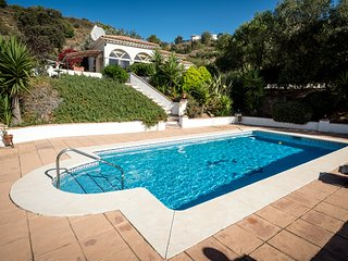 Holiday Villa with Swimming Pool, Almogia, Almogía