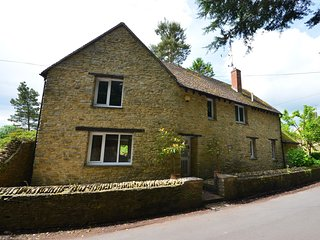 41518 Cottage in Chipping Nort, Milcombe