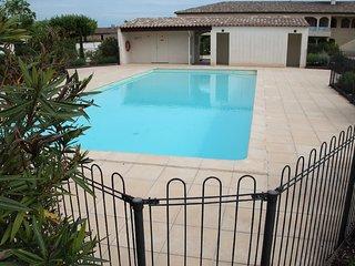 Très bel Appartement avec piscine face aux alpille